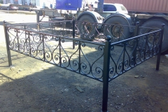 Оградка на могилу кованая по эскизу 021
